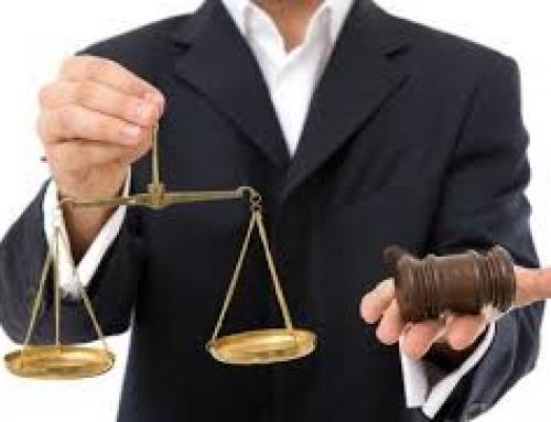 قانون باید از وکیلی که در راستای عدالت میایستد، دفاع کند